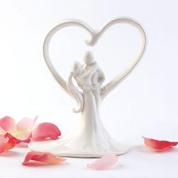 Wholesale Topper Cake Ceramic - Heart and Hug Wedding Cake Topper in Ivory Ceramic Cake Topper