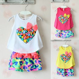 Wholesale Shirt Pants Girls Heart - Summer Girls 2pcs Suits 2015 Love Heart top sleeveless T-shirt+flowers Short pants flower bow suits baby clothes 3 color C001