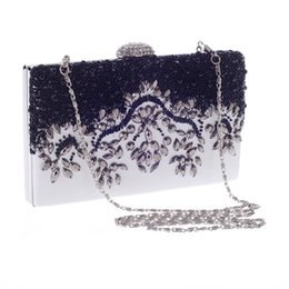 Wholesale Silk Trend Fashion - fashion trend of European and American popular Austria diamond beaded bag dinner bag women bag simple atmosphere Free shipping