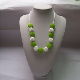 silikon perlen für halsketten Rabatt 13 Farben 2 Arten Kinder Silikon Kinderkrankheiten Halskette mit Violet bunten Polygon Beads / Sensory Chew Halskette - Silikon