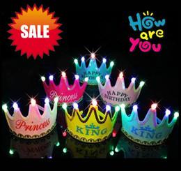 2019 corona di buon compleanno Birthday Cap Happy Glowing 5 lampada Crown Cap King Princess corona copricapo Festa di compleanno vestire in PVC forniture regalo EMS sconti corona di buon compleanno