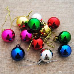 2019 sfere colorate di natale di plastica Christmas colorful balls 3cm cute Christmas tree Ornamento 6 colori Plastic Ornament Party Holliday Decorations supplies sconti sfere colorate di natale di plastica