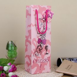 Wholesale Wholesale Pink Wedding Wrapping Paper - Pink Giraffe Paper Gift Bag with Greeting Card Wedding Party Decoration Red Wine Bottle Gift Wrap Promotion SD805