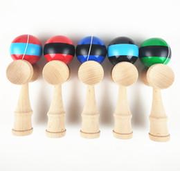 Juguetes de niños japoneses tradicionales online-Juego de madera Juguete de la raya Bola Kendama Regalo educativo Kendama Técnica de madera a rayas Juguetes tradicionales japoneses para niños