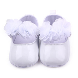 Wholesale cute shoes for toddler girls - Wholesale- 0-1Y Cute Baby Girls Shoes Princess PU Shoes For Baby Girls Large Flower Baby Toddler Children Lovely First Walkers Shoes