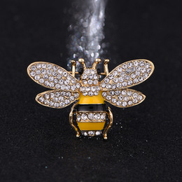 Wholesale Rhinestone Bee Brooch - Brand Designer Bee Brooches Pins For Women High Quality Rhinestone Crystal Buckle Brooch Luxury Jewelries Wholesale