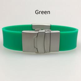 Canada logo personnalisé de preuve de l'eau réglable en silicone rouge qr code gravure bracelet pour hommes et femmes Offre