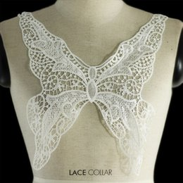 Wholesale Neckline Applique Trim - Off White Butterfly Embroidered Lace Neckline Collar Embellishment Applique Fabric Patches Trimming Sewing Supplies 2pc T1032