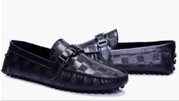 Wholesale driver shoes men - New Casual Shoes leather Fur Men Loafers 2018 Slip On Fashion Drivers Loafer Pig Leather Moccasins Plush Men Shoes Size: 40-46