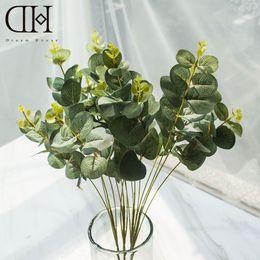 Dh accessoires en Ligne-Mariage Dh 2 PcsLot 4 Branches Artificielle Verdure Eucalyptus Décoration de La Maison Accessoires Feuille Vert Plantes Faux Herbe En Plastique Fleur