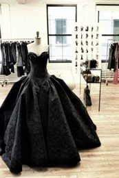 Wholesale Gothic Black Skirts - Gothic black Winter wedding dress with sweetheart neck ball gown skirt floor length bridal gowns Classic Ball Gowns Wedding Dresses 2017