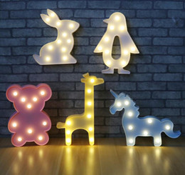 Luci di marcia online-3D Night Lights animali Unicorn Orso Marquee LED Batteria Nightlight Desk Camera lampada di notte per il bambino scherza la decorazione