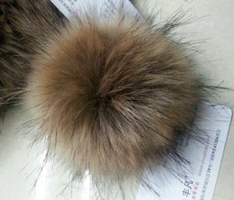 Wholesale Large Beanie Men - Wholesale-Large Faux raccoon fur balls 12cm for hats knitted beanie hat fur pom poms for caps artifical fake fur balls free sipping