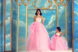Wholesale Dresses Children Girl Plus Size - Nude Shoulder Pink Tulle Mother And Daughter Matching Prom Dresses Puffy Flower Girls Dresses With Bow Adorned Parent-Child Formal Wear