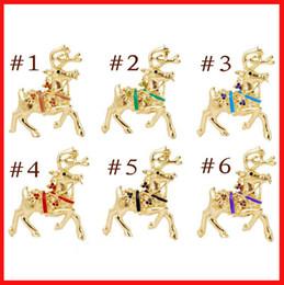 Wholesale Reindeer Brooch - Christmas Reindeer brooches gold Painted Deer brooch pins Rhinestone Christmas brooch Animal models Clothes statement jewelry 170235