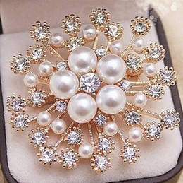 Wholesale Gold Snowflake Brooch - 5Color Pearl Crystals Gold Snowflake Brooch Luxury Diamond Czech Crystals Women Hijab Wear Broach Pins Fashion Jewelry