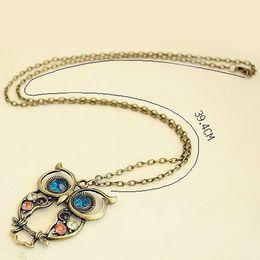 Wholesale Color Owl Necklace - Wholesale-Elegant Retro Rhinestone Bronze Color Owl Hollow Chain Long Necklace Pendant Hot Girls Lady Party Gift