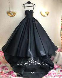 Dubai dresses designs on-line-Gothic Black Design vestido de baile vestidos de casamento 2018 Plus Size querida Matt cetim de tule árabe Dubai país vestidos de noiva Vestido De Novia