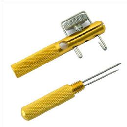 2019 pez aguja Envío gratis accesorios de pesca aleación de aluminio gancho de pesca Tier doble aguja de nudo de aguja corbata línea de pesca anudador anzuelo dispositivo de enlace pez aguja baratos
