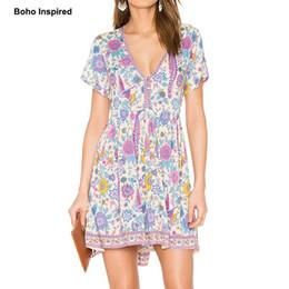 2019 vêtements hippie bohème Vente en gros- Boho inspiré 2017 robes d'été floral lovebird imprimer col en V mini-tenue vestimentaire décontractée femmes Bohème hippie chic vestidos vêtements