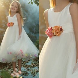 Wholesale Christening Dresses Discounted - Cheap Flower Girls Dresses 2015 Discount Flower Petals White Little Girls Wedding Party Dresses New Little Flower Girls Dresses