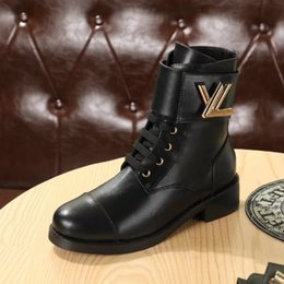 Wholesale boots buckles - Luxury Brand Womens Ankle Martin Boots Square Heel Platform Knight Motorcycle Cow Leather Boots Size 35-40
