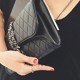 Wholesale Quilted Leather Handbag Black - 2016 fashion famous women metal chain Quilted Genuine Leather day clutch evening bag ladies handbag party purse wallet
