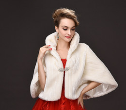 2019 giacca rossa del rame della pelliccia del faux Moda avorio inverno da sposa avvolge caldo pelliccia sintetica risvolto risvolto matrimonio scialle sposa prom partito da sposa avvolge giacche da donna