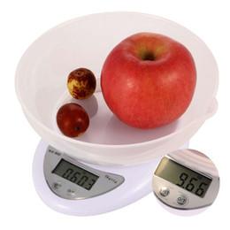 2019 alimentos dietéticos Novo 5 kg 5000g 1g Mini bolso portátil Balanças de cozinha jóias de precisão eletrônica Balança eletrônica peso ouro gramas