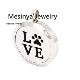 Wholesale Pet Love - 10pcs Round mesinya plain dog paw pet love (30mm) Aromatherapy   Essential Oils Stainless Steel Perfume Diffuser Locket Necklace