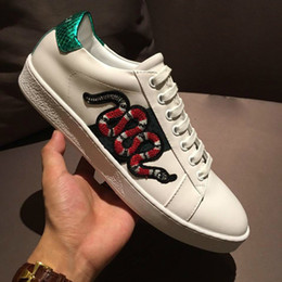 Wholesale handmade cow - Top Luxury Mens Shoes The Original Designer Perfect Recovery Casual Shoes Genuine Cow Leather Handmade Green Red Green Belt Model Sneakers
