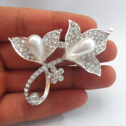 Wholesale Shirts Bling For Women - Hot Bling Bling Clear Crystal Rhinestone Flower Brooch Silver Tone Pearl Women Jewelry Pins For Girls Shirt Blouses Dress B926 Wedding