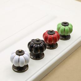 Древняя бронза резьба небольшой размер тыквы дверная ручка черный белый синий зеленый один тянуть кабинет кухня ящик ручка мебельная фурнитура #514 от Поставщики ручки тыквенного ящика