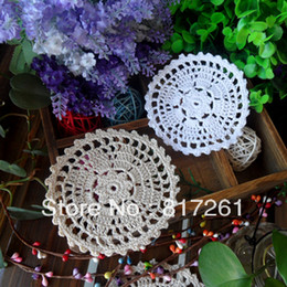 Wholesale Free Coffee Tables - Free shipping Beautiful design 20 pic white and beige 11 cm round handmade table mat rustic heat pad coaster doily coffee cup