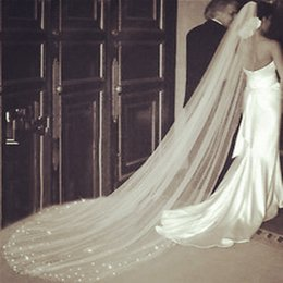 Wholesale 1t Ivory Veil - Long Beaded 1T Ivory Wedding Bridal Veil Bridal Cathedral With comb