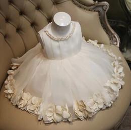 Artigos de vestidos de noiva on-line-Produtos de alta qualidade crianças vestido de noiva para meninas flores crianças princesa vestidos de festa branco puro grande crianças traje 100-160 ab2748