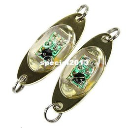 Señuelos de pesca flash online-LED Deep Drop Underwater Eye Shape Fishing Calamar Fish Lure Luz que destella la lámpara