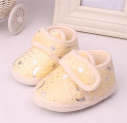 Wholesale Baby Moon Walkers - Baby Boy Girl Blazing Star Moon Print Shoes First Walker Shoes Toddler Yellow Pink Blue Fleece Soft Sole Antikid Moccasins For 0-1Year I4519