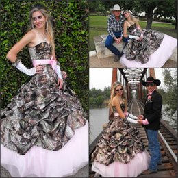 Wholesale natural wave fashion - 2017 Hot Fashion Cowboy Country A Line Camo Wedding Dresses Pleats Sexy Sweetheart Lace-up Back Bridal Gown Pink Lining Bow Sash BA2054