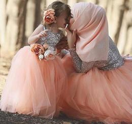 Wholesale Cheap Long Peach Prom Dresses - 2018 Sequined Long Sleeves Prom Dresses Silver Peach Pink Evening Gowns Dubai Women Cheap Formal Evening Party Gown Vestidos Custom Made