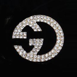 Wholesale Imitation Designer - Multistyle Luxury Brand Designer Double Layer Rhinestone Pearl Brooch Women Letters Suit Lapel Pin Jewelry Accessories Gift Free Shippping