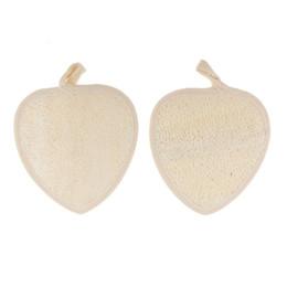 Canada 11.5 * 12 cm en forme de coeur naturel Pad Loofah Pad arrière Loofah éponge bain douche corps exfoliant tampons cheap heart pads Offre