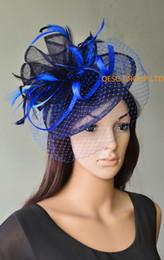 Véus de casamento azul-real on-line-Royal blue Navy Sinamay fascinator com penas e véu para Derby kentucky, casamento, raças.