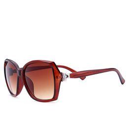 a9f3de00b1 Gafas de sol Mujer Nuevo Nudo Mariposa Retro Big Box Gafas de sol Mujer  Lunettes De Soleil Gafas de sol para Mujeres HL5114
