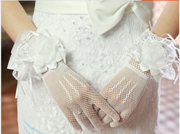Wholesale Short Red Lace Wedding Gloves - Elegant 2 Colors Red White Short Transparent Lace Net Gloves Wedding Gloves Bridal Gloves Party Glove Free Shipping