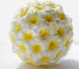 Wholesale Silk Wedding Brides Bouquets - 2015 White And Yellow Bridal Bouquets Bride Holding Flowers Handmade Artificial Wedding Favors Wedding Bouquet Wedding Flowers High Quality