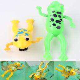Cor Aleatória Engraçado Do Bebê Crianças Brinquedo de Banho Relógio Wind Up Plástico Natação Sapo Para Fun Drop Toy-0021 de