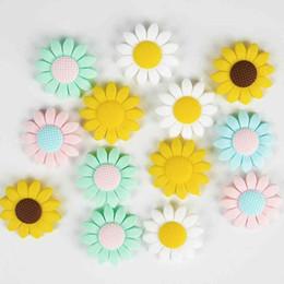 Creativo girasole fai da te silicone dentizione perline bambino massaggiagengive masticabili perline in silicone pendente perline sparse bracciali collane accessori da