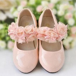 Wholesale Dress Shoes For Children - Ivory Ore-pink Princess Girls Leather Shoes With Hand Made Flowers Conformable Kids Children Sandals 2015 In Stock Girls Dress For Wedding