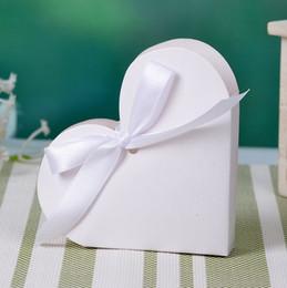 Scatole a forma di cuore imballaggio all'ingrosso online-12pcs all'ingrosso accessori per eventi di carta bianca dolce cuore forma caramelle confezioni di cioccolato con nastro